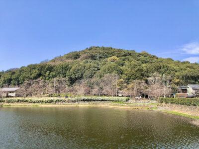 閑静な住宅地にある山と池に挟まれた公園に行ってみよう‼[耳成山公園]